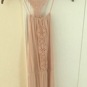 Pink maxi dress. Never been worn. Size med
